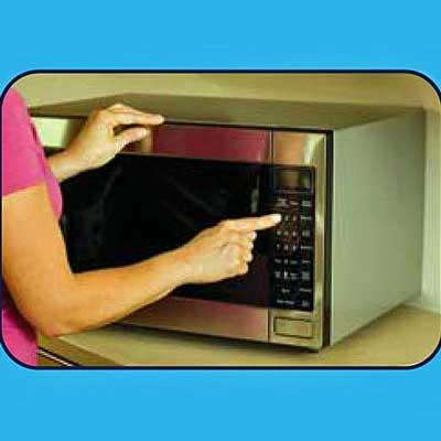 Bruder Eye Hydrating Compress is conveniently microwavable