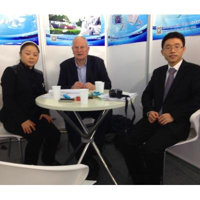Roy Wooldridge with Mr Amy Zhao and Sam Teng of Meike